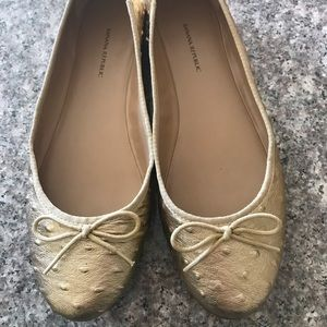 Gold Banana Republic ballet flats, size 10.